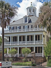 Porches and Pillars II (Atelier Teee) Tags: southcarolina charleston pillars porches southbattery atelierteee terencefaircloth