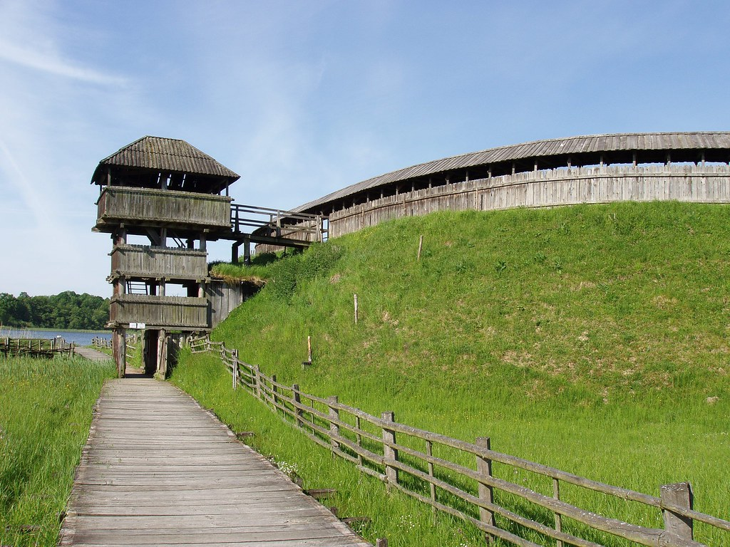 Groß Raden Mecklenburg (Seeadler 1) Tags: Wall Boot See Kirche Schild  Palisade Mehl