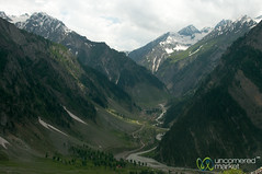Kashmiri Mountains, View Overlooking Sonamarg and Amarnath - India (uncorneredmarket) Tags: india mountains landscape roads kashmir srinagar amarnath ladakh sonamarg mountainroads