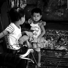 Oh! Kolkata.....playing on the rickshaw (New Delhices) Tags: india kids portraits rickshaw kolkata slum pilkhana