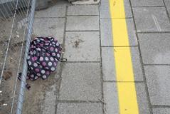 (Arthur van Beveren) Tags: holland fall netherlands rain trash umbrella sad herfst nederland waste paysbas regen paraplu niederlande parapluie aju afval paisesbajos hollanda 2013 paesibassi regenscherm ajuparaplu