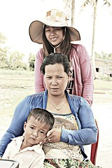 Family Portrait - Kampot - Cambodia (Asia Trip Tour - Sbastien Pagliardini) Tags: voyage family portrait landscape google cambodge cambodia tour sac bob du vietnam dos national jungle asie jpg laos monde hdr geographic sud est kampot thailande indonsie optimisation asiqtique