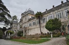 Pazo de Lourizan, Pontevedra (lumog37) Tags: architecture arquitectura day cloudy staircase palaces escaleras palacios pazo