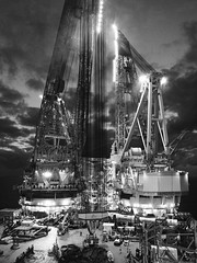 Night GoM (thulobaba) Tags: industry gulfofmexico night energy williams offshore gas cranes oil s7000 heavy lifting 7000 uscs saipem gulfstar sscv