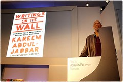 Writings On The Wall (Steve Lundqvist) Tags: kareem abdul jabbar nba basketball basket champion icon sport player usa meeting conference conferenza stampa press pescara fujifilm x100s pomilio book writing writer scrittore forum speech