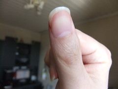 DSCF6999 (ongle86) Tags: ongles nails rongés biting pouce thumb sucé sucking doigts fingers hand mains fetishisme