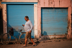 Discovery India (Eason Q) Tags: agra city life people uttar pradesh india incredible kids men girl boy children indian villages rural village wide angle street photography moment culture tradition shops snacks kals pics ancient historic shah jahan mumtaz history myth legend lord shiva