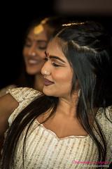 SRI DESI DANCE-7296 (Pierre Fauquemberg) Tags: danse inde danseindienne bolliwood défilé mode défilédemode fashion multicolorefashionshow hiltonladéfense paris pierrefauquemberg spectacle indiennes desmondesunregard nikond750 photographe photographiedemode