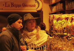 Portrait (Natali Antonovich) Tags: portrait sweetbrussels chocolate belgianchocolate hatisalwaysfashionable hat hats lifestyle stare sthubertgallery belgium belgique belgie tradition