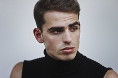 Felipe (TheJennire) Tags: photography fotografia foto photo canon camera camara colours colores cores light luz young tumblr indie teen people portrait face boy malemodel fashion style 50mm turtleneck