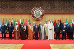 جلالة الملك عبدالله الثاني وقادة الدول العربية ورؤساء الوفود المشاركة في صورة جماعية قبيل بدء أعمال مجلس جامعة الدول العربية في دورته الثامنة والعشرين في منطقة البحر الميت (Royal Hashemite Court) Tags: jordan kingabdullahii kingabdullah arab summit deadsea ksa bahrain sudan lebanon uae الأردن الملك عبدالله الثاني القمة العربية السعودية البحرين السودان الصومال لبنان