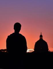 Contemplar Roma (Japo García) Tags: atardecer tramonto roma cúpula iglesia meditar orar rezar oración preghiera italia cielo silueta contraste sol música bello belleza creación uno soledad silencio retiro espiritual alma creer fe cristiano católico japo garcia foto