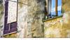 Ortona - Come due Piccioncini (Andrea di Florio (9.000.000 views!!!)) Tags: andreadiflorio abruzzo abitazione popolare ortona chieti finestra finestre vecchio vecchia casa imposte sbarrate windows