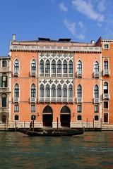 Palais Pisani Moretta (frediquessy) Tags: venise palais palazzo grandcanal gothique moyenâge façade gondole italie pisani