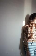 (Mariateresa Pazienza) Tags: analog analogphotography analogue analogcamera analogportrait analogphotoghraphy analoguephotography 35mmfilm 35mm 35mmphotography 35mmcamera 35mmcolorfilm film filmphotography filmcamera yashicataf yashica fujifilm fujifilmsuperia200 girl girlonfilm brunette sun sunlight beam