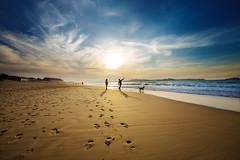 Dos mas uno (noldor12) Tags: somoplayas loredo ribamontánalmar cantabria spain marcantábrico playa atardecer canoneos6d canonef1635f4lisusm
