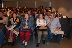 Las alcaldesas de Las Tres Villas y Rioja, junto a la concejal de Cultura de Rioja y Mariano Sánchez. (almeriainformacion) Tags: cine documental la fosa borrada del sur memoria histórica almería museo de