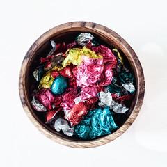 One left (glukorizon) Tags: 52weeksof2017 bak bowl chocolade chocolate colourchange easter easteregg eaten egg ei kleurverandering kom many op opgegeten paasei pasen schaal tinfoil veel zilverpapier