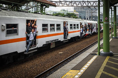 Jakarta Local Train (basvredeling) Tags: city travel holiday station train indonesia java transport jakarta commute rails yogyakarta crowded gambir geocity exif:focal_length=18mm exif:iso_speed=160 exif:make=pentax camera:make=pentax geostate geocountrys exif:aperture=45 camera:model=pentaxk5 exif:model=pentaxk5 exif:lens=smcpentaxda18135mmf3556edalifdcwr
