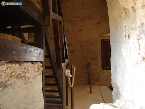 KR-Isola Capo Rizzuto-parco Archeologico Capo Colonna 14_L