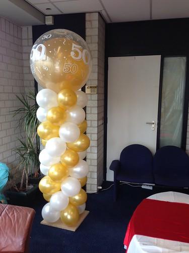 Ballonpilaar Breed Rond Goud  Wit 50 Jaar