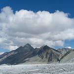Zicht op Pas de Chèvres en Aiguilles Rouges vanaf Glacier de Cheilon thumbnail