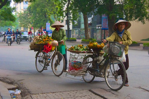 bike bicycle vietnam hanoi strawhat