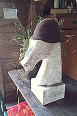 whereever I lay my hat.... (Per Ola Wiberg ~ powi) Tags: horse sweden farm skulptur sverige hst eker 2013 rosenhill rosenhillstrdgrd grdsbutik rosenhillstrdgrdochmusteri