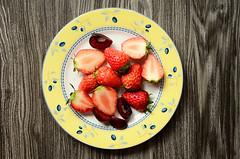 Beautiful Plate (EndlessJune) Tags: wedding beautiful nice dish anniversary royal plate blueberry tableware doulton nikond7000