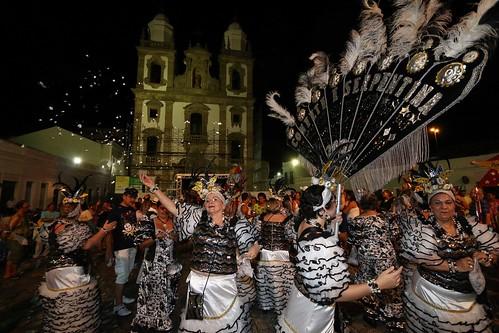 Acerto de marcha de blocos líricos, no Pátio de São Pedro. Bloco Confete e Serpentina.