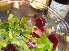Salad and wine (Just Back) Tags: birthday red food green sc home kitchen leaves fix bottle wine cook tasty gabel fork columbia foliage lettuce alcohol carolina beets vin veggies asteraceae flasche preparation vitamins prepare vino rhone lactuca chenopodiaceae feraud lactuceae