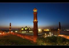 Badshahi_sml (Emran Ashraf) Tags: pakistan sunset canon 5d lahore islamabad badshahimosque emran memorialpower emranashraf