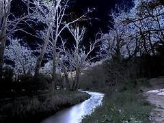 Arc (sebastiengobbie) Tags: arc aixenprovence rivière expositionlongue solarisation