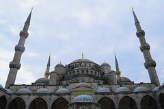 Blue Mosque, Istanbul (Nicolay Abril) Tags: estambul turquía istanbul turkey стамбул турция turquie türkei turchia türkiye alminar alminares minare minarelerinin minaret minarets mezquitaazul mezquitadelsultánahmed sultanahmetcamii sultanahmedmosque sultanahmetmosque bluemosque sultanahmedmoschee blauemoschee mosquéebleue mosquéedusultanahmedier mosquéedusultanahmed mezquita mosque moschee mosquée camii arquitecturaotomana osmanischearchitektur ottomanarchitecture architetturaottomana osmanlımimarisi islammimarisi arquitecturaislámica islamicarchitecture architectureislamique arquitecturadelmediooriente architecturedumoyenorient middleeastarchitecture ortadoğumimarisi arcoapuntado arcoojival spitzbogen arcoasestoacuto pointedarch imperiootomano aquitecturaotomana osmanlıimparatorluğu ottomanempire empireottoman architectureottomane eminönü