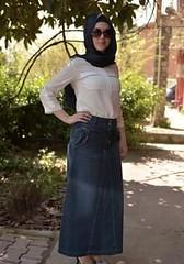 تنورة الجينز أناقة مثالية تختارها المحجبات للتألق في ربيع 2017 (Arab.Lady) Tags: تنورة الجينز أناقة مثالية تختارها المحجبات للتألق في ربيع 2017