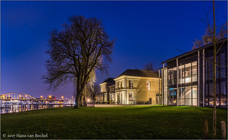 IJsselhotel at night