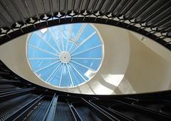 Hellabrunn (deuxcvsix) Tags: tierchen frühling elefantenhaus hellabrun auge architektur stairs treppenhaus hellabrunn
