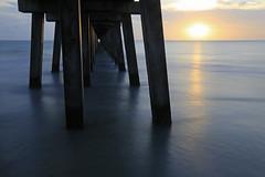 Setting sun (erichudson78) Tags: usa florida naples canoneos6d canonef24105mmf4lisusm mer sea water eau sunset coucherdesoleil longexposure poselongue pier jetée horizon nuages sky reflet reflection sun soleil couchant brilliant