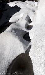 Astratto pietrificato - giochi di luci, ombre, roccia e ghiaccio... (Silvio Spaventa - Spav'68) Tags: spav68 svizzera suisse svizzeraitaliana cantonticino valverzasca lavertezzo roccia rock ice ghiaccio luce light ombra shadow buchi holes levigata nikon d90 white