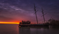 Sunrise Shipwreck (hey its k) Tags: lagrandehermine sunrise lincoln ontario canada ca shipwreck jordanharbour abandoned img3795e jordanstation lakeontario canon6d