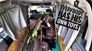 today my freak came with me... and he loved it. #dog #traildog #merlinderzauberer #vanlife #labsarethebest #mtb #rangecarbon   I love my bike so much. THX to: @norcobicycles @sixpackracing @maxxistires @dirtysm @htcomponents @novatecwheels @acros_componen