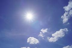 Soleil printanier (camilleromane1) Tags: ciel soleil sun nuage bleu printemps sony sonyalpha68 sky blue spring saison