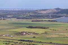 dove arriva il 70-200 (NkolaN) Tags: ferrovia automotrice verde sardegna sardinia fs primavera eolico diga binario paesaggio