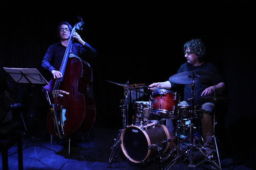 "CLAES MAGNET TRIO ""Close to silence"" Live at Sinestesia."