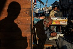 (stromin.alex) Tags: documentary moment photojournalism light life streetphotography shadow street