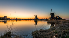 Windmills @ Zaanse Schans (NL) (Henk Verheyen) Tags: lente nl nederland netherlands spring zaanseschans zaanstad buiten landscape landschap molen outdoor windmill windmolen zaandam noordholland bluehour blue night evening orange
