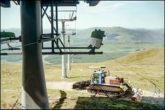 Nevis Range (Fotorob) Tags: schotland land bergen kabelbaan analoog heuvels transport scotland fortwilliam highland