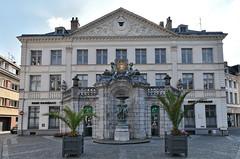 Saint-Omer (Pas-de-Calais) - Fontaine Sainte-Aldegonde (place Victor Hugo)