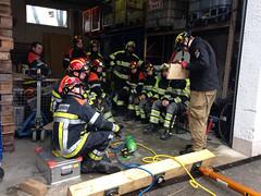 IMG_4138 (Feuerwehr Weblog) Tags: tiefbauunfälle ausbildung feuerwehr technicalrescue technischerettung heavyrescuegermany trenchrescue technische hilfeleistung thl