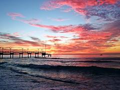 Colores del amanecer (Antonio Chacon) Tags: andalucia amanecer costadelsol cielo españa spain sunrise sol marbella málaga mar mediterráneo nubes nature naturaleza paisaje agua